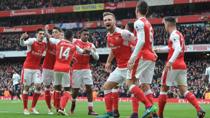 Laporan Pertandingan Arsenal vs Huddersfield Town Skor 5-0