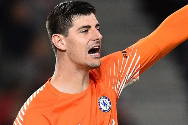 Thibaut Courtois Tolak Real Madrid Teken Kontrak Besar di Chelsea