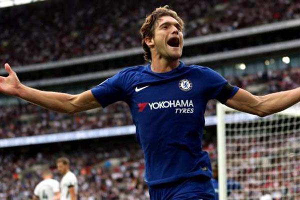 Marcos Alonso Bek Chelsea Terancam Sanksi Skorsing Tiga Laga